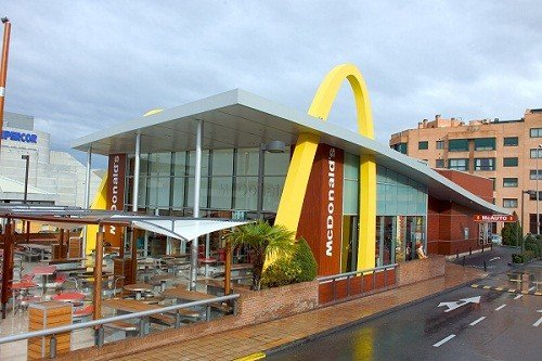mcdonalds restaurants in UK adopt contactless payments by summer 2011