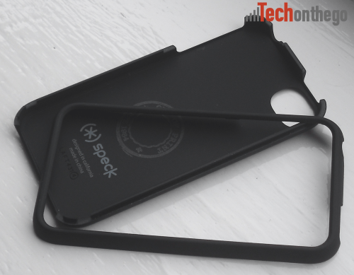 speck out of print iphone4 case disassembled