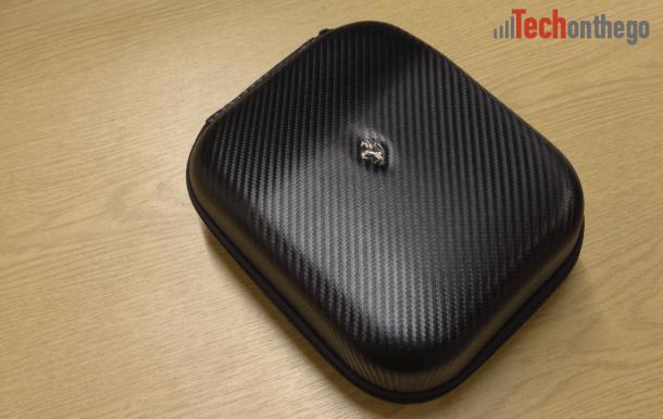 ferrari cavallino t350 headphones - carry case