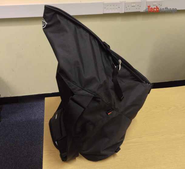 vaude mantis 17-7 laptop bag - closed expanded side on
