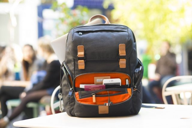 Knomo Launches #LiveFree Backpack on Kickstarter
