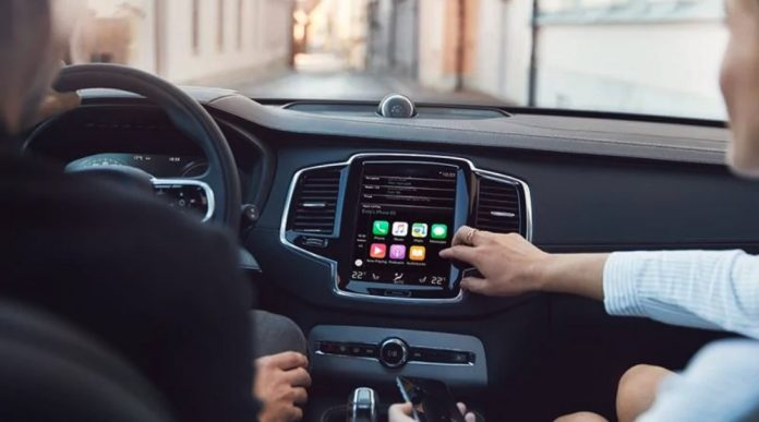 apple carplay in volvo car