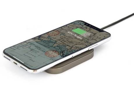 Greenwich Humber Wireless Desk Charger with phone